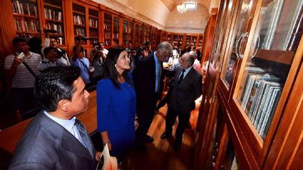 Biblioteca Regional recibirá nueva donación de libros de M.V.Ll.