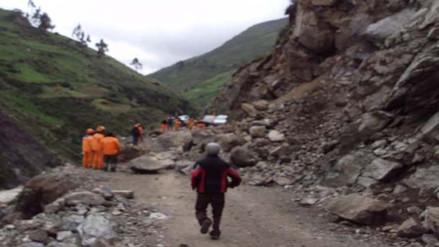 Carretera Huancavelica – Ayacucho obstruida por deslizamientos