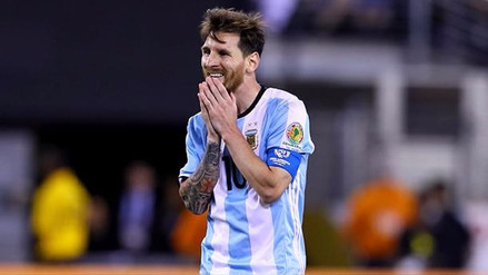 FIFA sancionó a Lionel Messi por insultar a juez del partido con Chile