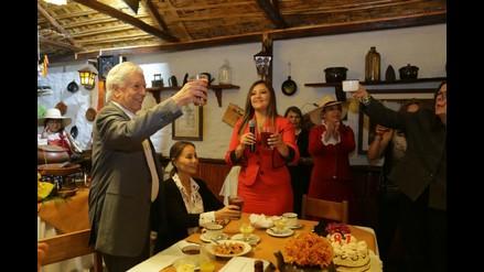 Mario Vargas Llosa participó de almuerzo por su cumpleaños