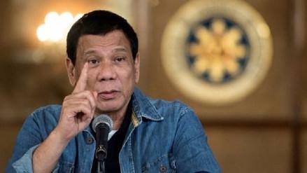 El presidente de Filipinas en guerra con la iglesia y con los medios