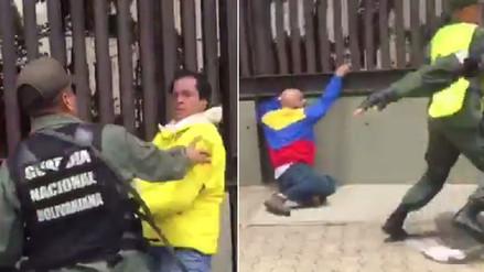 Opositores venezolanos son agredidos por las fuerzas de Nicolás Maduro