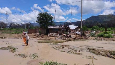 Desborde de acequia afecta viviendas del distrito de Motupe