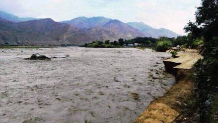 Agricultor desaparece tras intentar cruzar río en huaro
