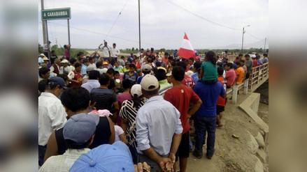 Virú: pobladores interrumpen pase por puente La Alameda
