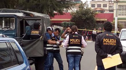 Detienen a policía que extorsionaba a comerciante