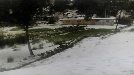 Suspenden labores escolares tras granizada en Moho