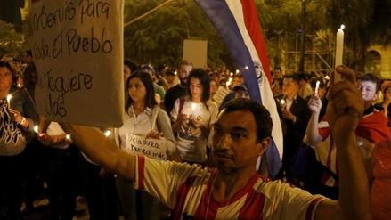 Siguen las protestas en Paraguay mientras Cartes invita al diálogo