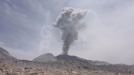 Caylloma: alertan caída de cenizas del volcán Sabancaya