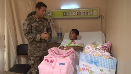FAP llevó primeros regalos a bebé que nació en helicóptero