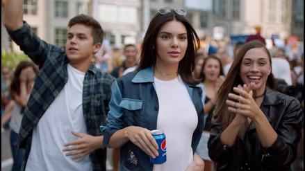 Kendall Jenner y Pepsi son criticados por polémico comercial