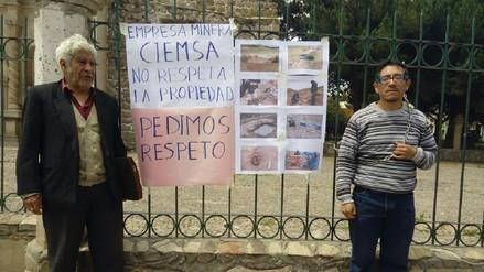Juliaca: se encadenaron por invasión de sus terrenos por minera
