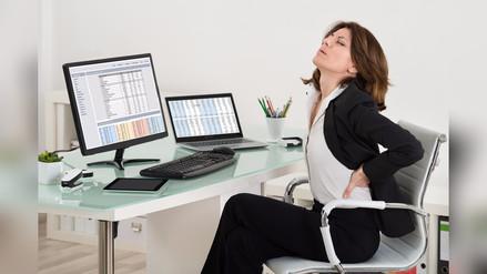 Ejercicios para evitar el dolor de cuerpo en la oficina