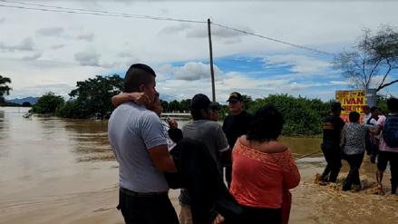 Policía ayudó a más de 10 mil pasajeros varados por lluvias