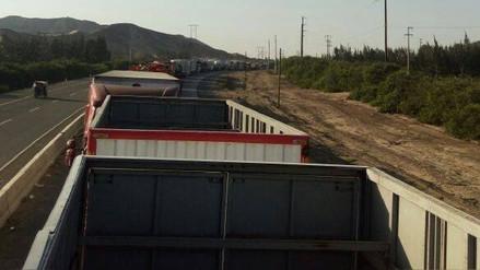 Virú: 10 kilómetros de vehículos varados generan caos y congestionamiento