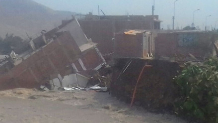 Video | Una casa de tres pisos cayó sobre el río Rímac en Huampaní