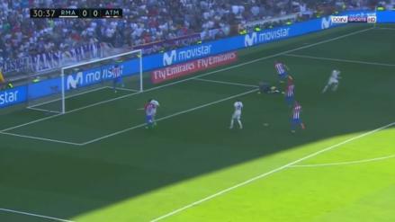 La espectacular salvada de Savić en el disparo de Cristiano Ronaldo
