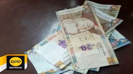 Capturan a sujeto con billetes falsos en Socabaya