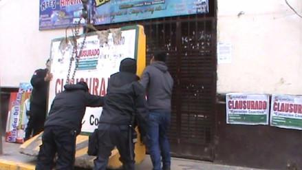 Huancayo: clausuran bares clandestinos que funcionaban como oficinas