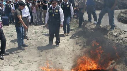 Estudiante mostró cómo quemó parte del cuerpo de José  Yactayo