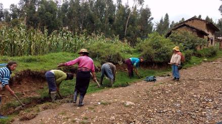 Huancayo: comuneros realizan faena para celebrar el Día de la Tierra