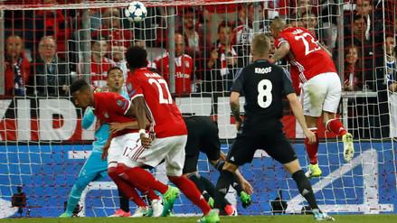 Vidal marcó un golazo de cabeza ante el Real Madrid por la Champions