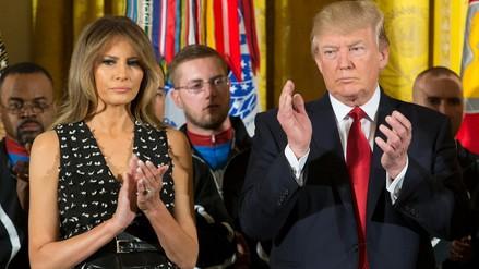 Melania Trump será indemnizada por medio que dijo que era una dama de compañía