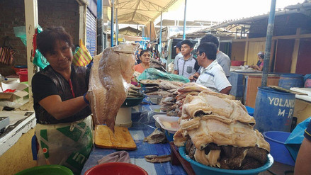 Realizan operativo en mercado Moshoqueque por Semana Santa