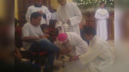 Trujillo: arzobispo realiza lavado de pies a niños damnificados