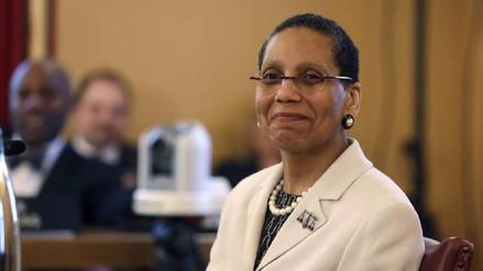 Investigan la muerte de primera jueza musulmana de Estados Unidos