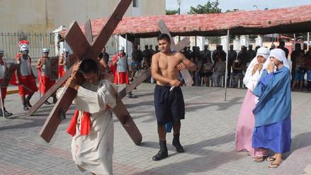 Soldados de Séptima Brigada del EP escenifican pasión y muerte de Jesús