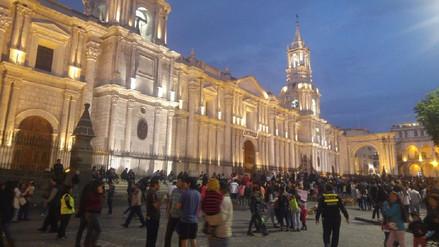 Feligreses inician tradicional recorrido de las estaciones en Arequipa