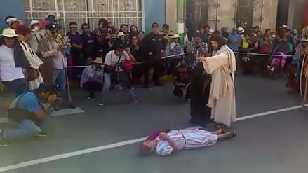 Escenifican vida, pasión y muerte de Jesús en Paucarpata