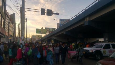 Ambulantes invadieron pistas y veredas en Avelino Cáceres