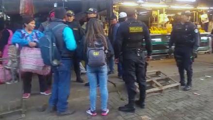 Recuperan espacios públicos ocupados por comerciantes ambulantes