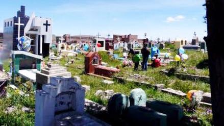 Adolescente intentó suicidarse en el cementerio de Ilave