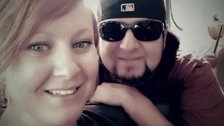 Viajaban a Costa Rica para casarse, pero United Airlines los retiró del avión