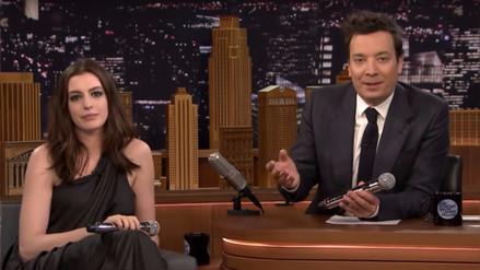 Anne Hathaway cantó temas traducidos por Google