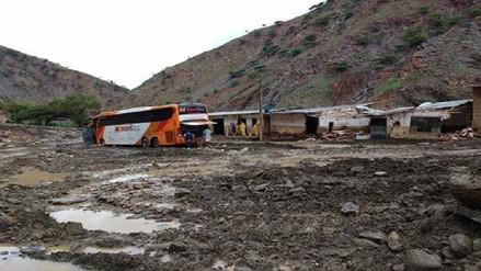 Lluvia interrumpe carretera y activa quebradas en Huarmaca