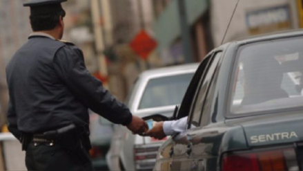 Encarcelan a policía acusado de pedir una coima a comerciante en Ayaviri