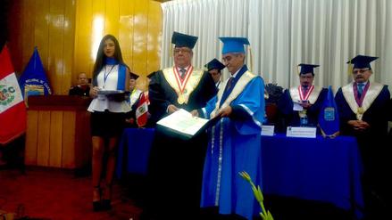 Presidente del Poder Judicial recibió título de Honoris Causa de la UNC