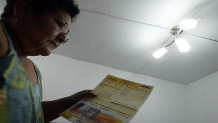 Empresas eléctricas darán facilidades de pago a afectados por El Niño