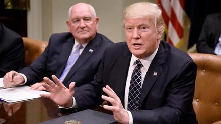 Donald Trump analiza un decreto para sacar a EE.UU. del TLCAN