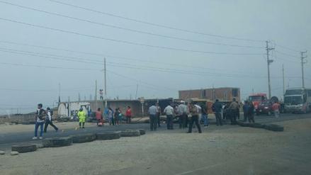 Carhuaz: Pobladores bloquean Panamericana Norte por falta de rompe muelles