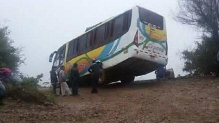 Gran Chimú: microbús estuvo a punto de caer a un abismo