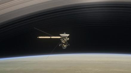 La sonda Cassini envió las primeras imágenes de la atmósfera de Saturno