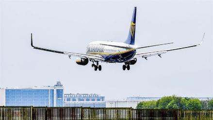 EE.UU. estudia prohibir las laptops en los vuelos desde Europa