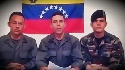 Militares venezolanos abandonan su país y viajan a Colombia para pedir asilo