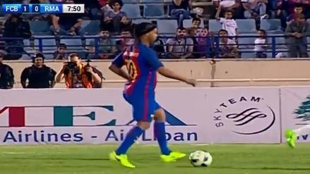 Ronaldinho se lució con pase de desprecio en el Clásico de las leyendas