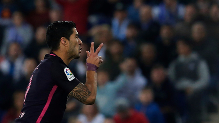 Luis Suárez anotó para Barcelona tras un terrible error defensivo